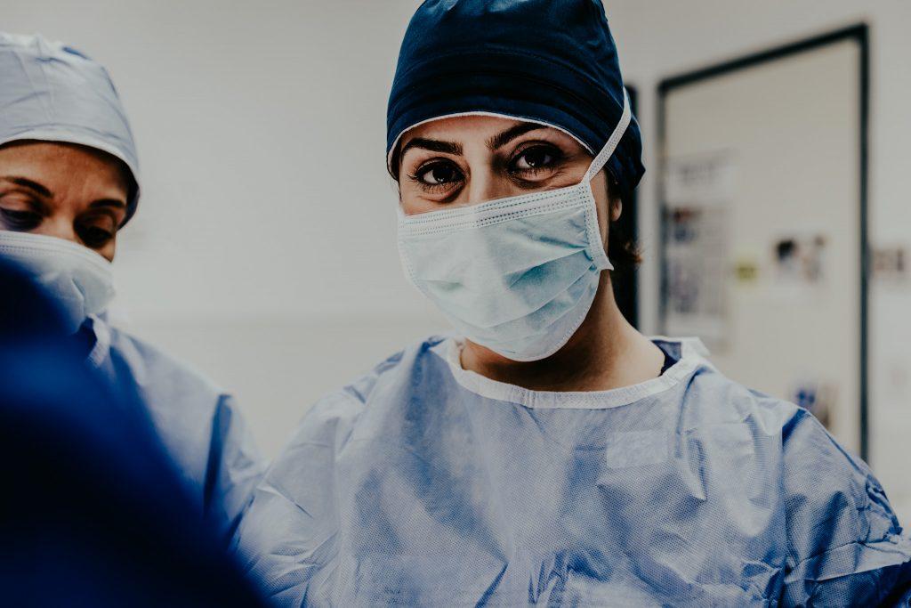 travel nurse working covid-19 unit